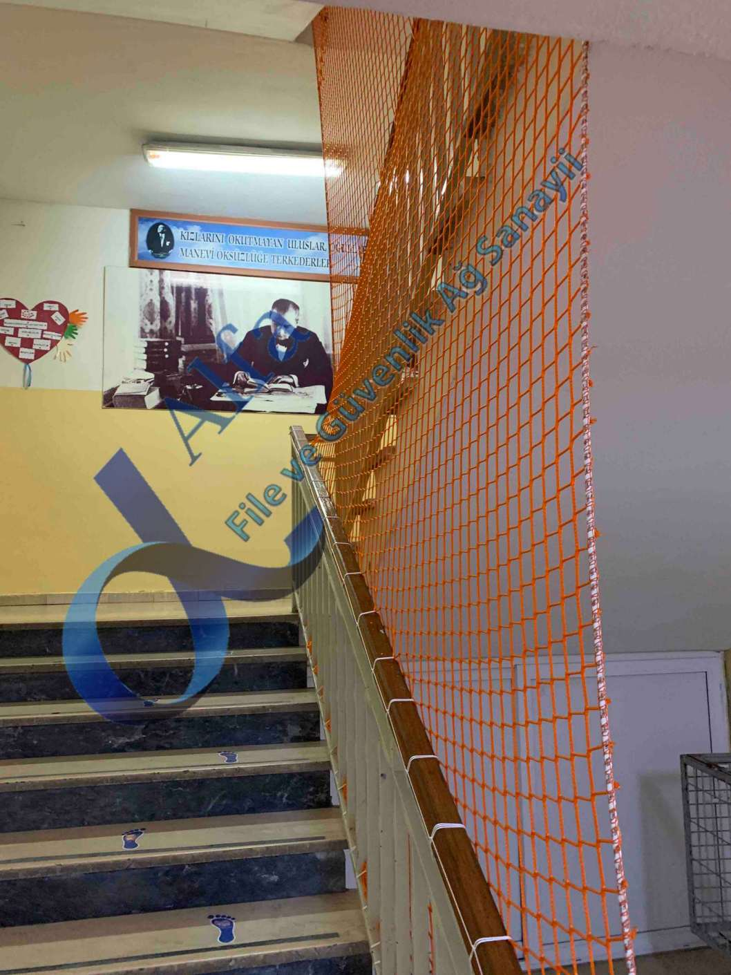 Okul merdiven güvenlik filesi